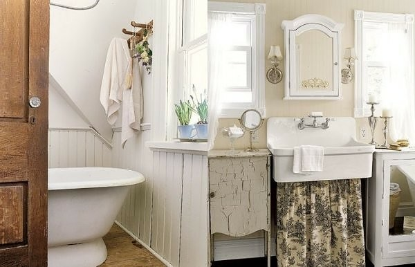 baño blanco mueble desgastado