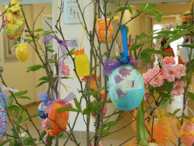 animales huevos fiesta arbol decoracion plantas