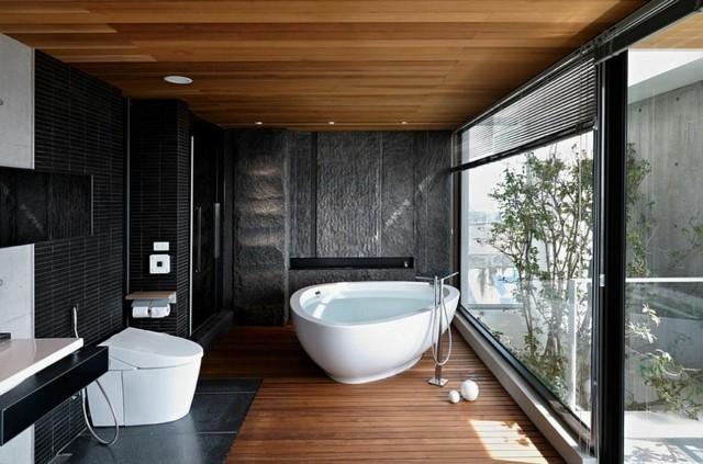 baño de diseño estilo minimalista bañera blanco suelo bgonita madera