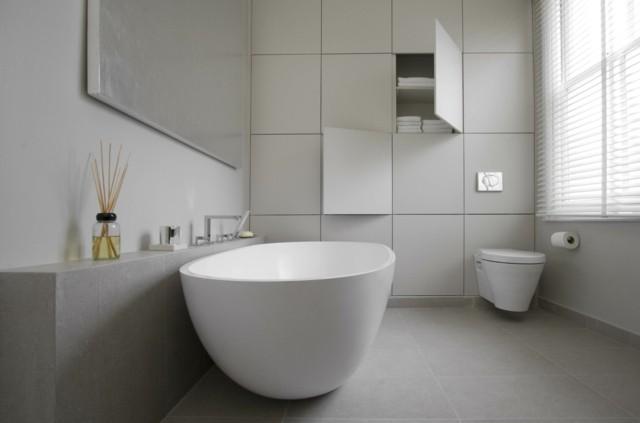 baño de diseño tina marmol blanco minimalista armarios pared