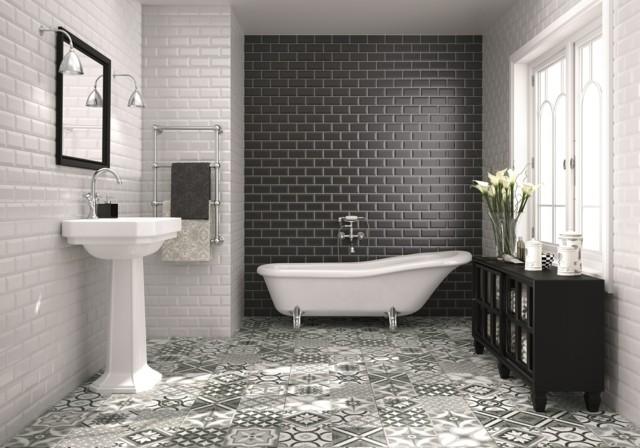 baño flores baldosas negras blancas bonito idea
