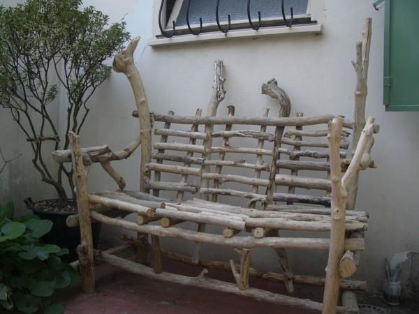 banco madera de deriva flotante