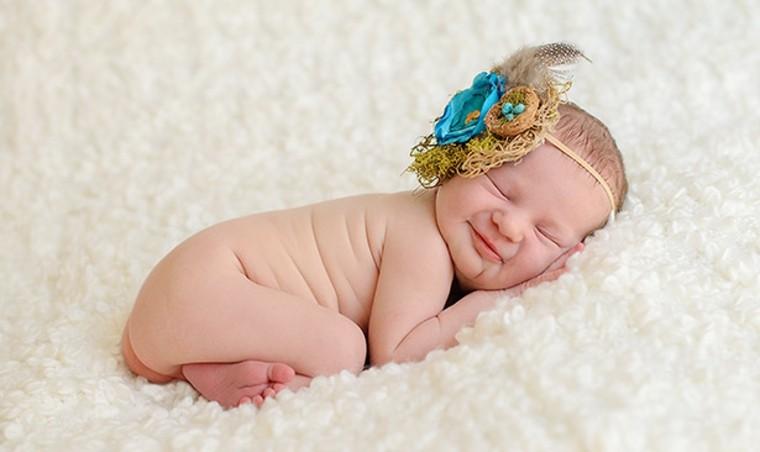 bebe dormido diadema azul grande