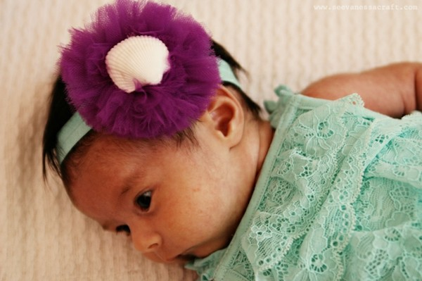 bonita diadema bebe morada concha