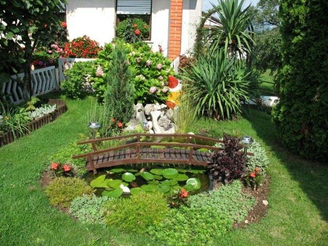 jardin trasero bonsai puente densa vegetacion jardin trasero