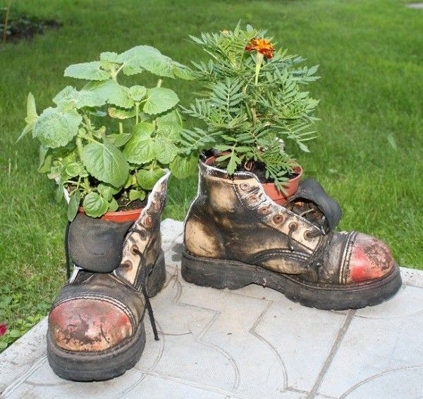 botas macetas jardin patio DIY flores