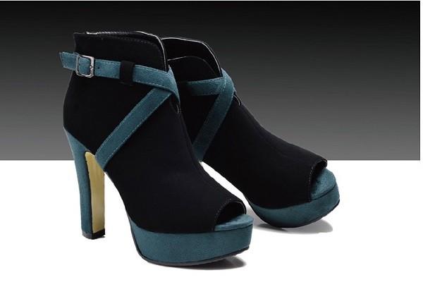 botas colores verde negro dedo