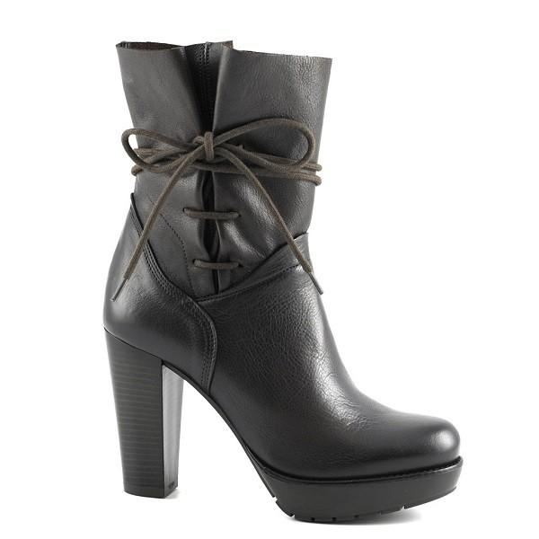 botas tacón piel negros