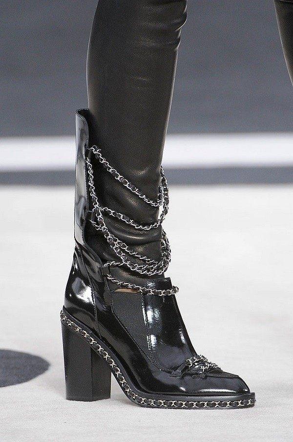 botitas chanel moda negras cadenas