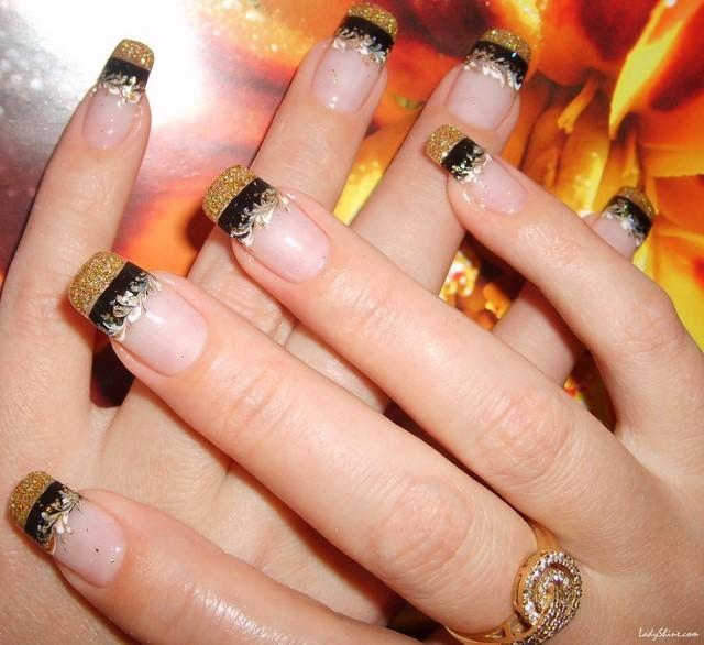 buena idea manicura francesa oro brillante moderno