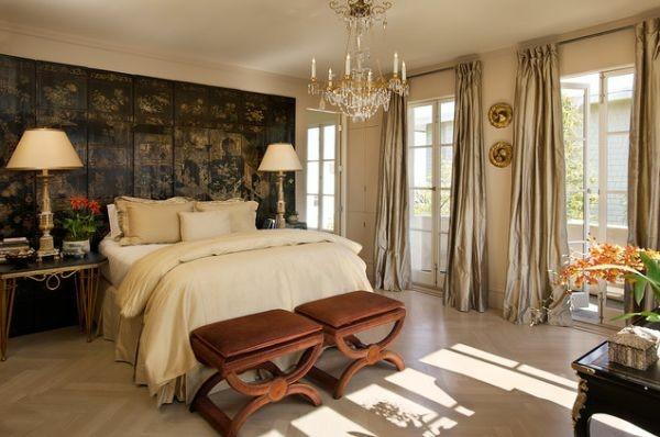 cama lujosa blanca señorial clásica