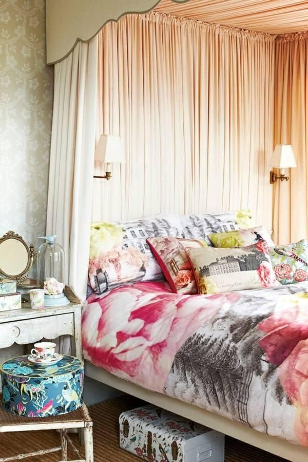 cama colcha muchos colores estampados