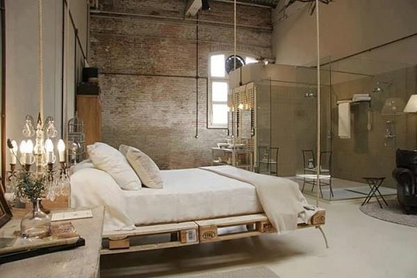 cama colgante palets madera lujosa