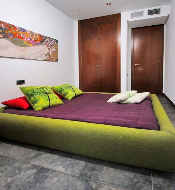 cama verde colcha ikea morada