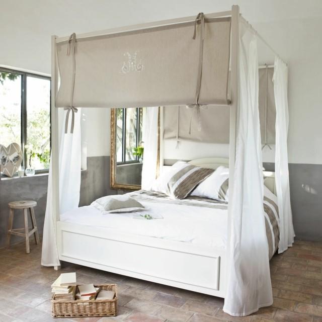 Dormitorios matrimonio con camas con dosel for Camas con dosel de madera