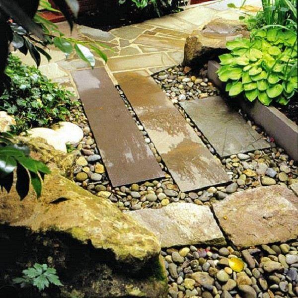 camino losas grandes piedras pequeñas formas distintas interesnate fracturado