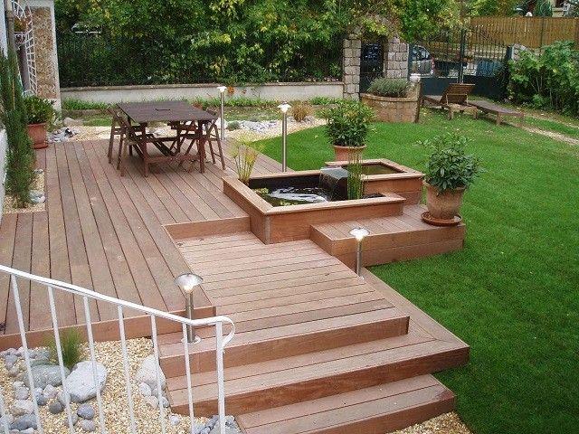 cascada terraza madera patio cesped