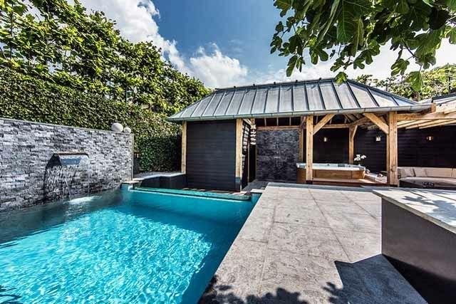 Casetas de jard n y cobertizos con mucho encanto - Techo piscina cubierta ...
