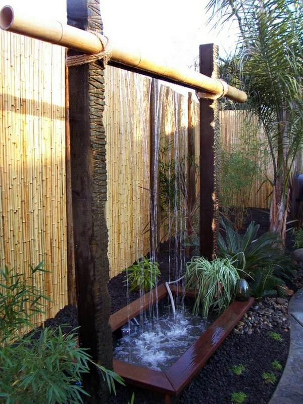 catarata  jardín madera pequeña plantas
