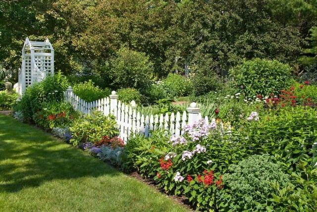 valla jardin blanca flores