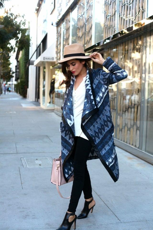 chicas guapas chaqueta azul ideas gorra interesante