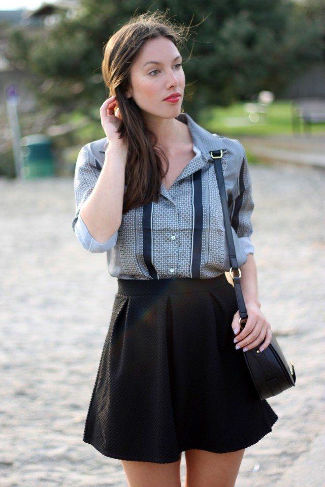 chicas guapas negro gris falda rayas