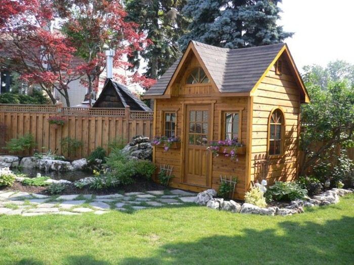cobertizo caseta madera jardin camino