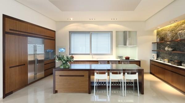 cocina espaciosa pared ladrillo moderna