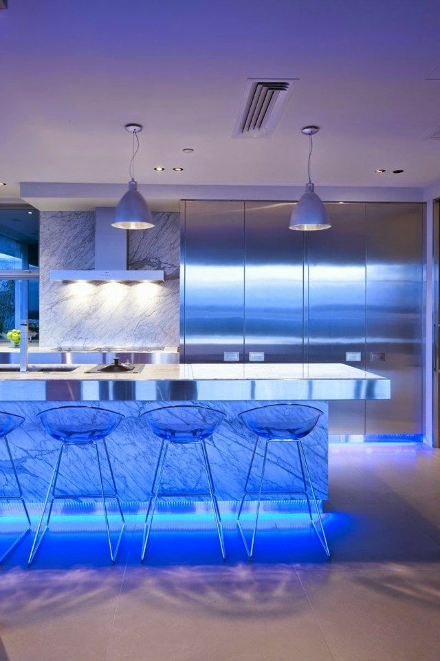 cocina moderna lamparas led azules idea bonita interesante