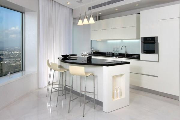 cocina pequeña lujosa blanca vistas