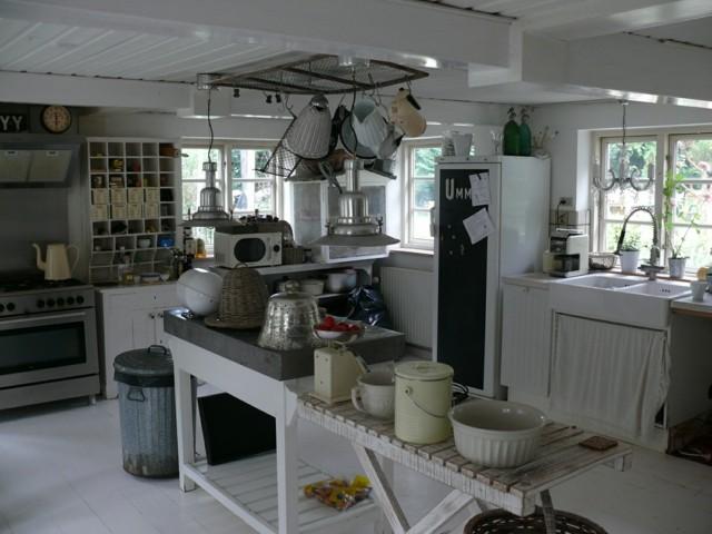 cocina vintage retro moderna cubo basura cortinas lavabo
