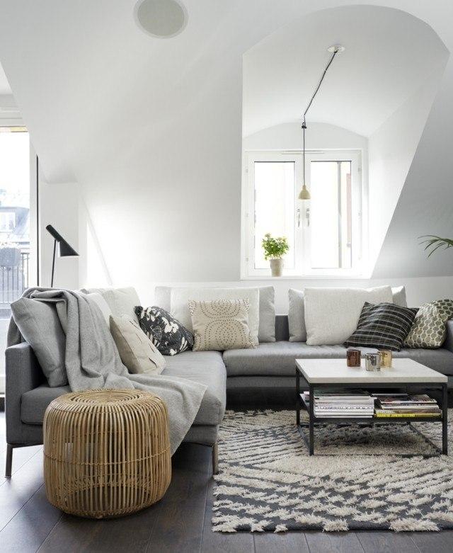 saln moderno con muebles en la gama de grises muy sutil