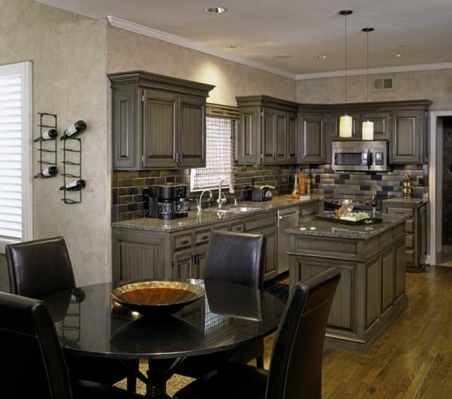 cocina amplia lugar comer muebles gris cuero negro