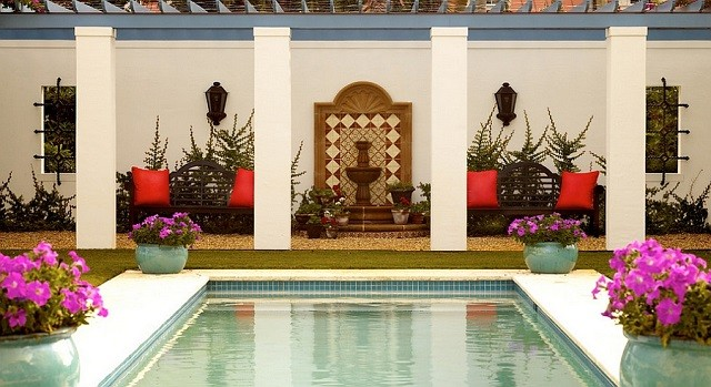 combinaciones de terraza maroqui moderna piscina colores brillantes