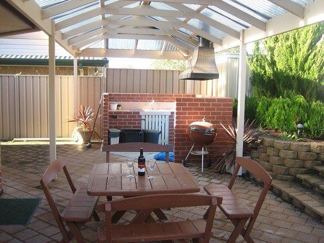 comedor cocina jardín ladrillos tejado