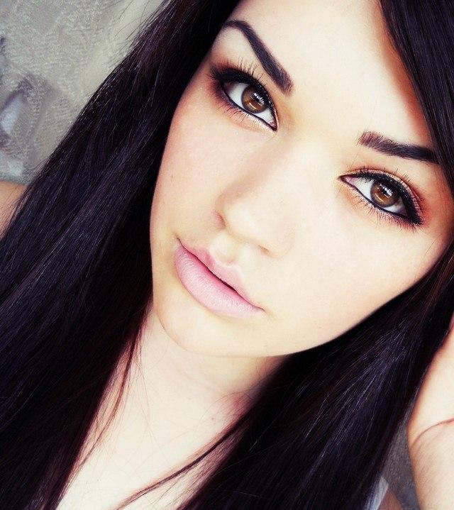 cómo  maquillarse deslumbrante ojos marron bonitos
