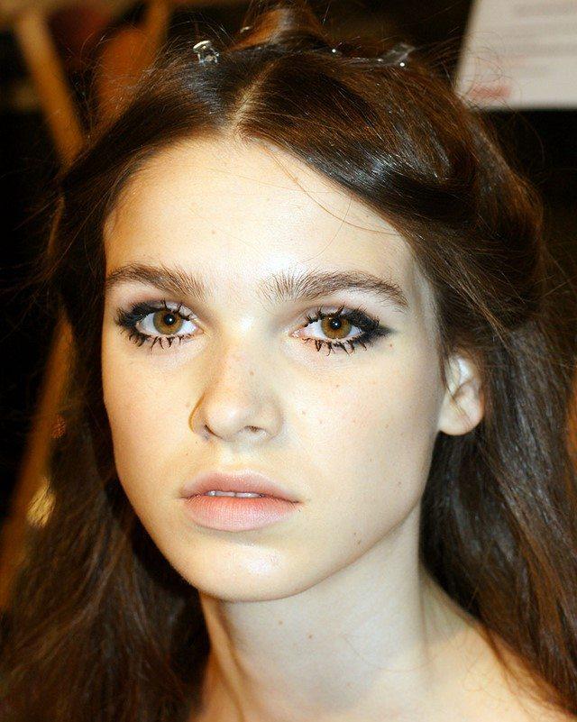 cómo  maquillarse sombra pestañas final ojos