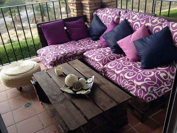 conjunto muebles palet terraza morados