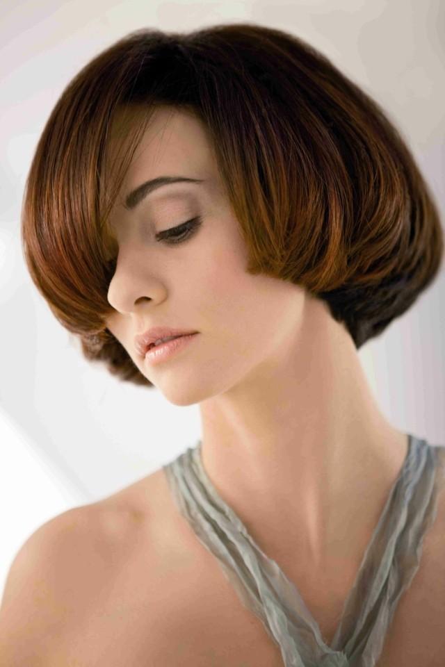 cortes  de pelo castaño interesante idea flequillo