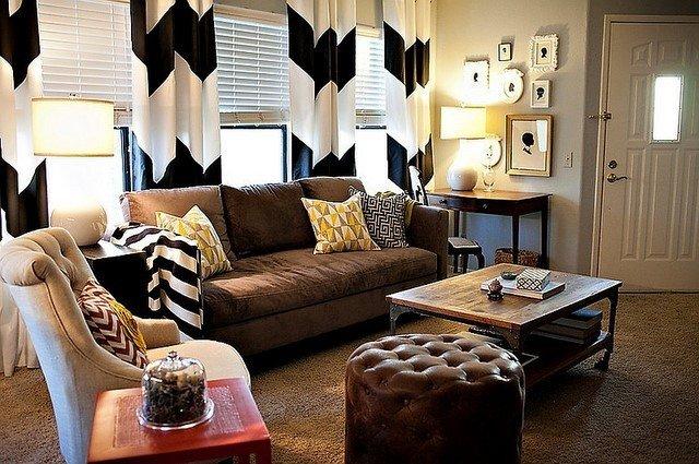 cortinas blanco negro salon pared blanca