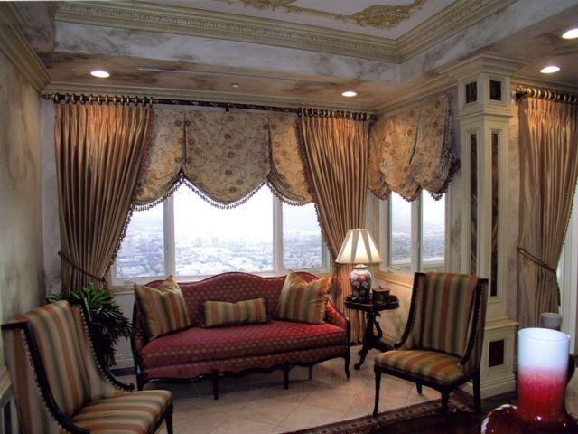 cortinas para salón color crema medievales