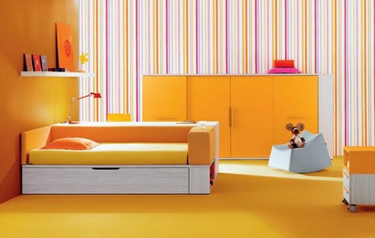 cuarto muy amarillo rayas papel