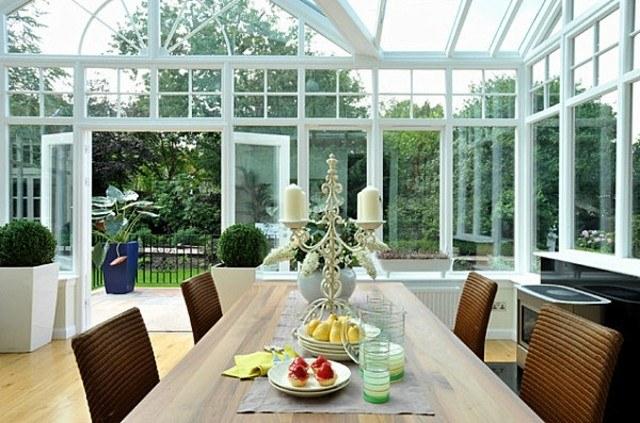 decoracin de terrazas interior blanco mimbre - Terrazas Acristaladas