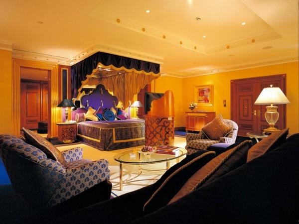 decoración dormitorio lujoso colorido iluminado