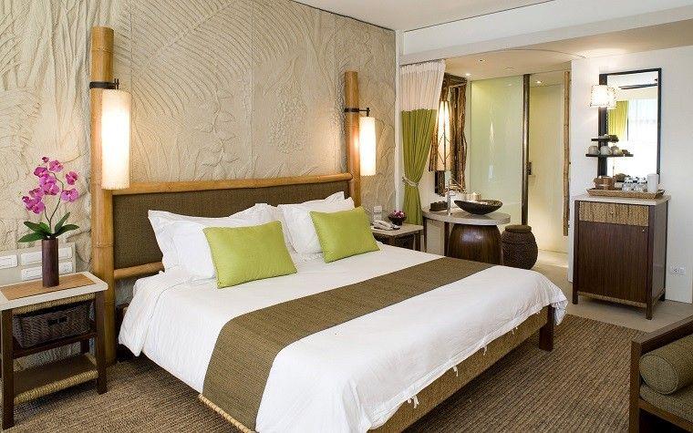 decoración de dormitorios flores madera lamparas