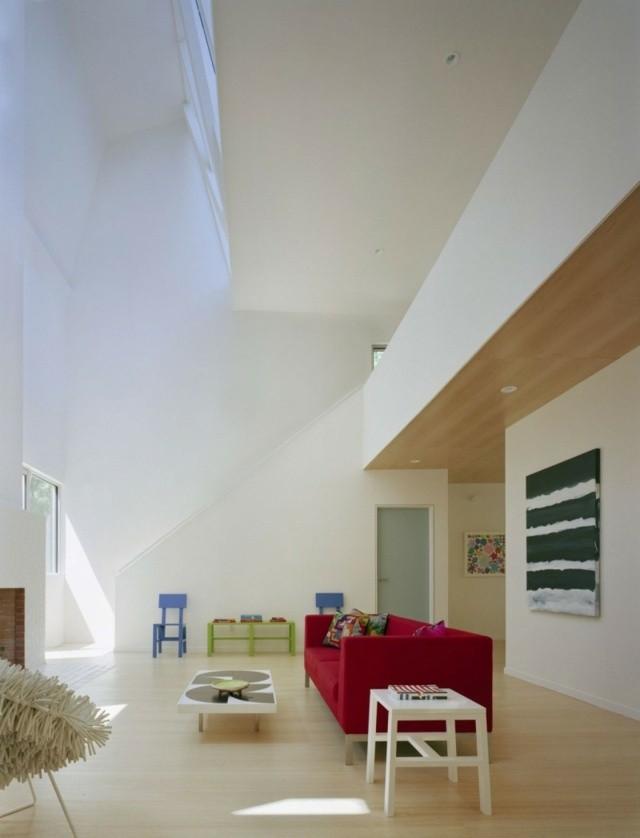 decoración de interiores techo alto pocos muebles diseño