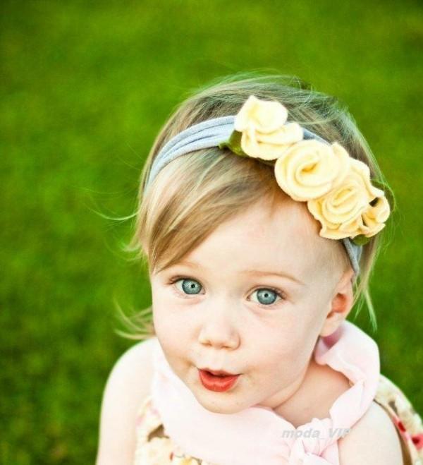 diadema flores amarillas niña rubia