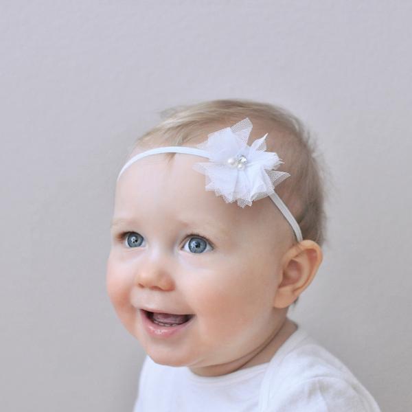 diadema pequeña flor blanca bebe