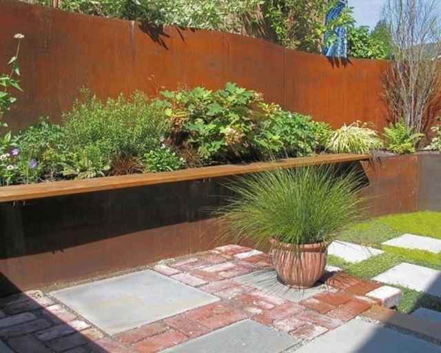diseño de jardines macetas muro metalico