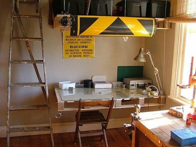 diseño muebles madera escritorio lampara